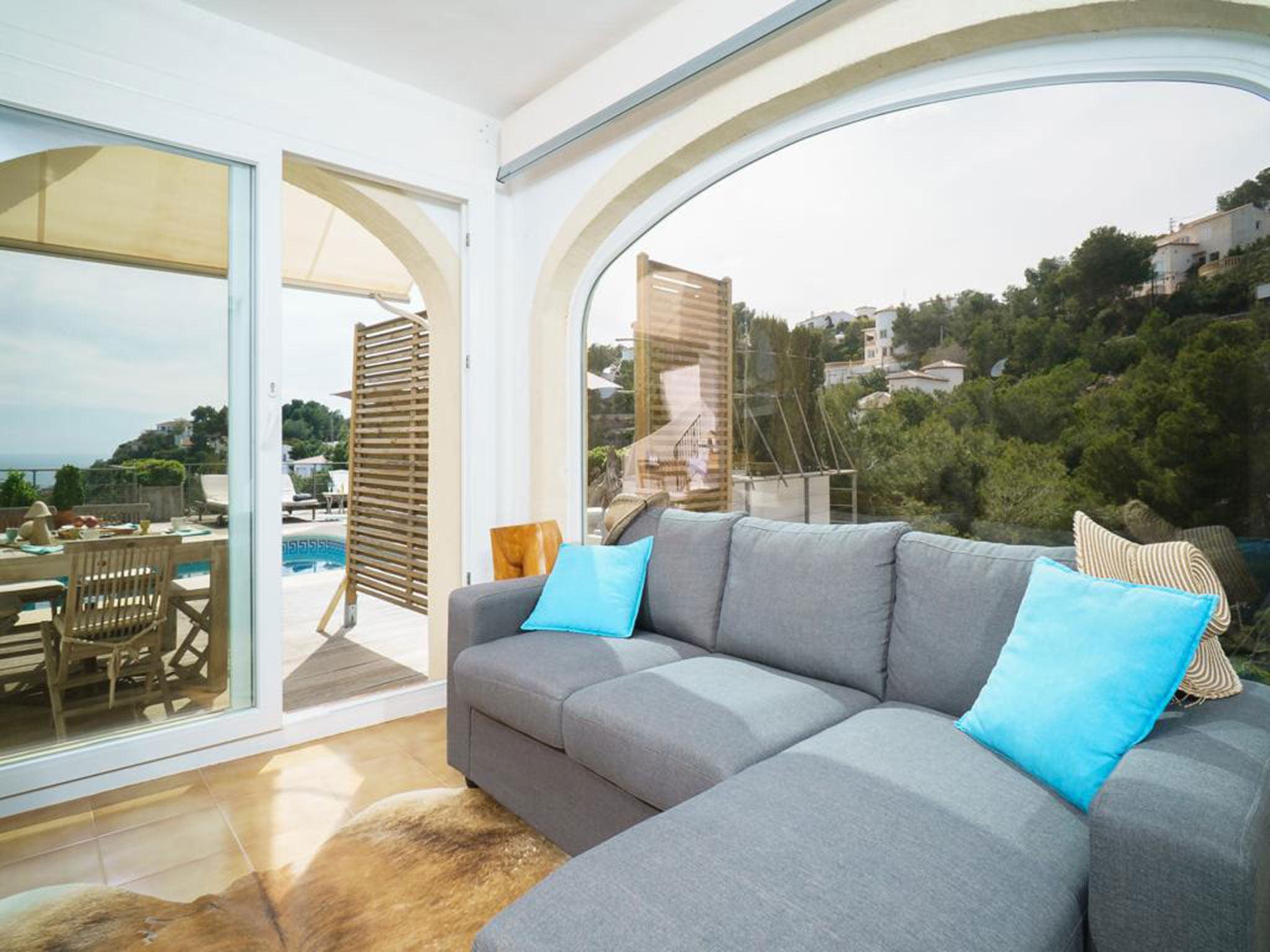 Vistas desde un chalet en venta en La Granadella – Atina Inmobiliaria