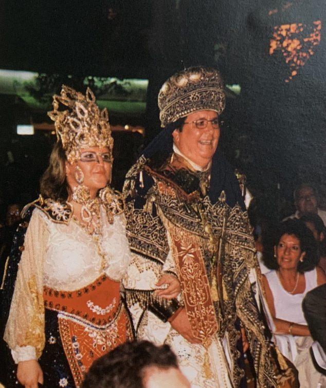 Imagen: Capitanes de la Filà Baharis en el año 2000