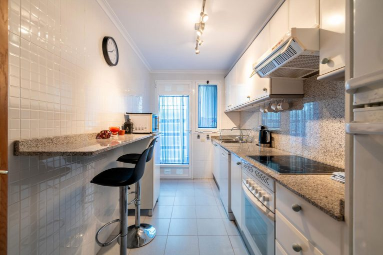 Cocina de un apartamento de alquiler en Jávea - Quality Rent a Villa