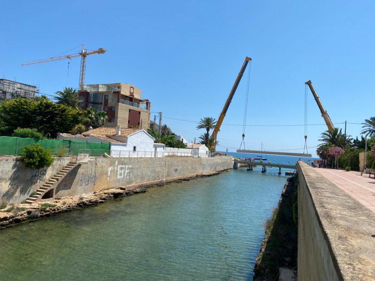 Colocación de las vigas del Puente de Triana