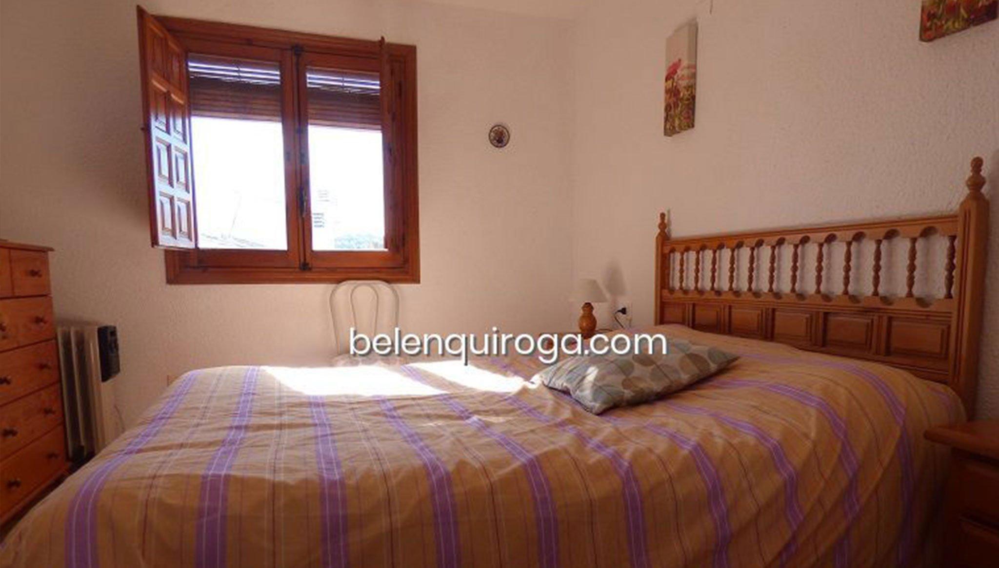 Uno de los tres dormitorios de un bungalow en venta en Jávea – Inmobiliaria Belen Quiroga