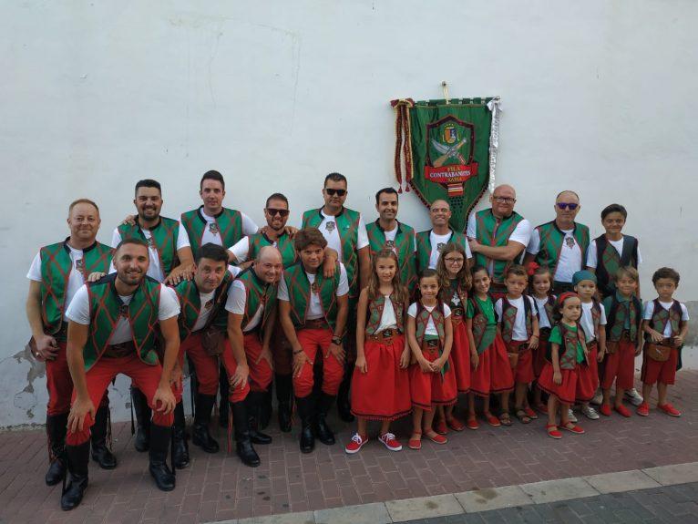 Escuadra de hombres y niños de la Filà Contrabandistes de Xàbia