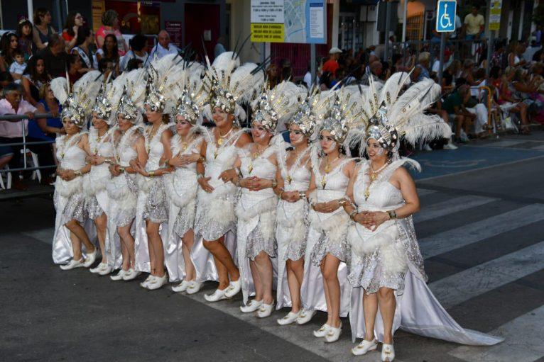 Escuadra de mujeres de la Filà Baharis