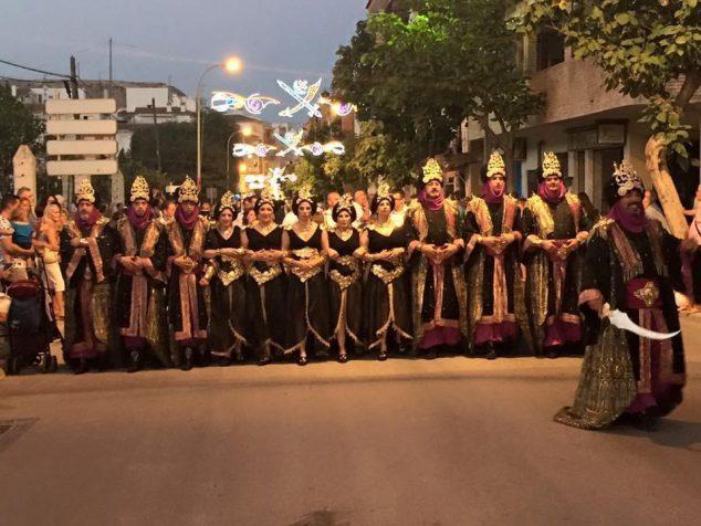 Imagen: Escuadra mixta de la Filà Baharis