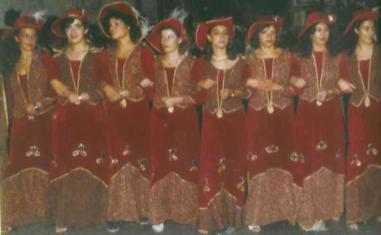 Escuadra de mujeres de la Filà Trabuquers
