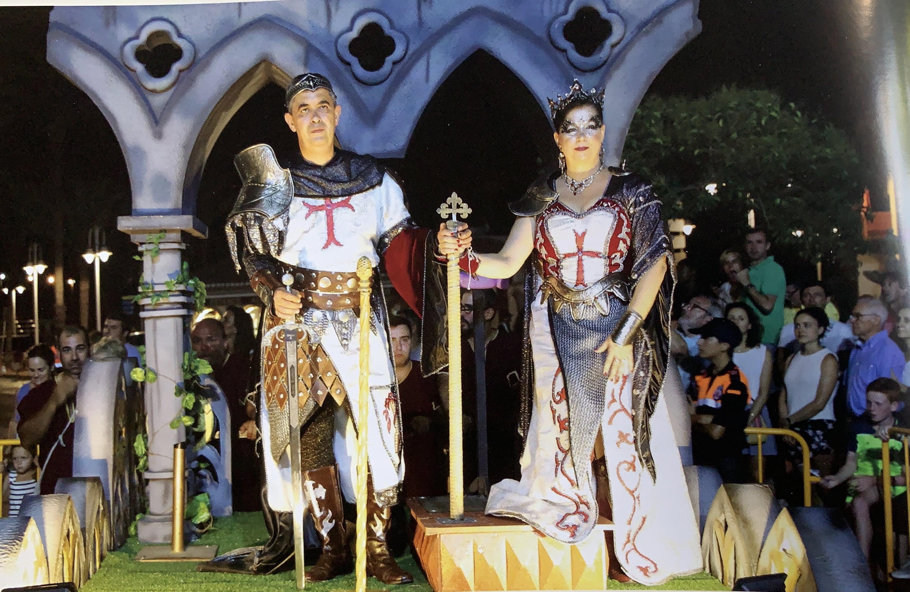 Fernando Piles y Virginia Castellanos, capitanes 2018 de la Filà Trabuquers