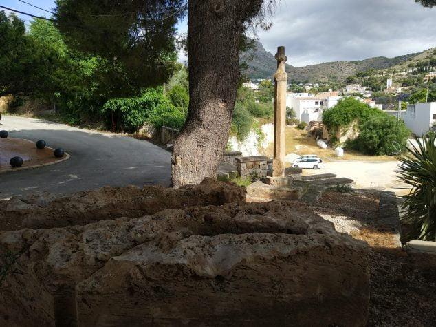 Imagen: Fosas romanas del Montañar trasladadas a la ermita de Sant Joan