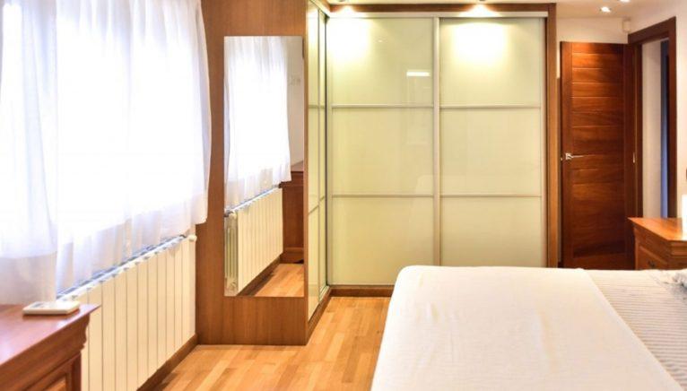 Una de las habitaciones de un chalet en venta en la zona Toscal de Jávea - Terramar Costa Blanca