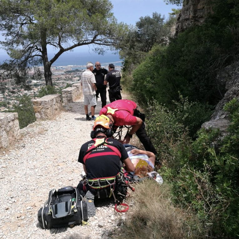 Rescate de una mujer en el Montgó