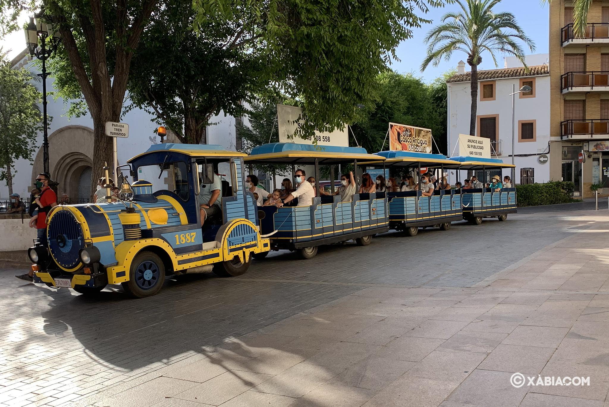 Tren Turístico en la parada del centro histórico