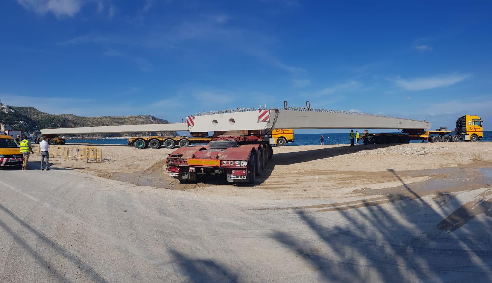 Vigas de gran tonelaje para la construcción del Puente de Triana