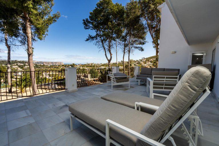 Vistas desde la terraza de una villa de alquiler vacacional en Jávea - Aguila Rent a Villa