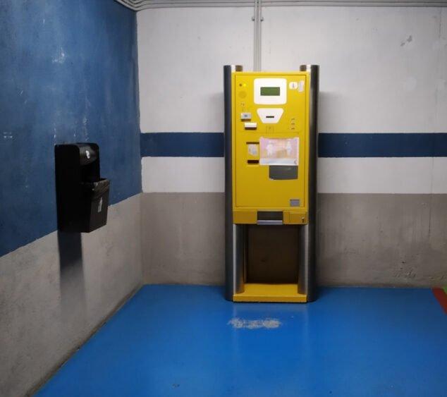 Image: Caissier pour le parking de la Plaza de la Constitución
