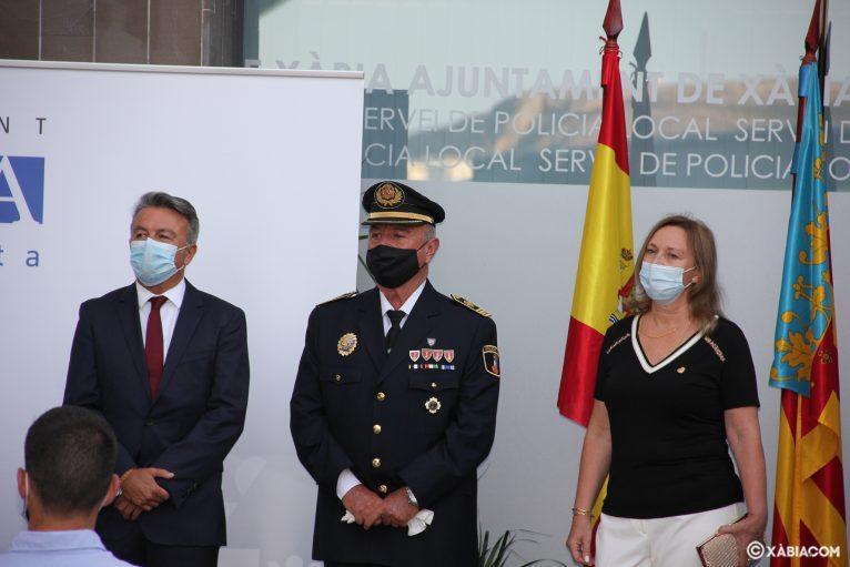 Cristóbal Buigues junto al alcalde  y concejala de Seguridad