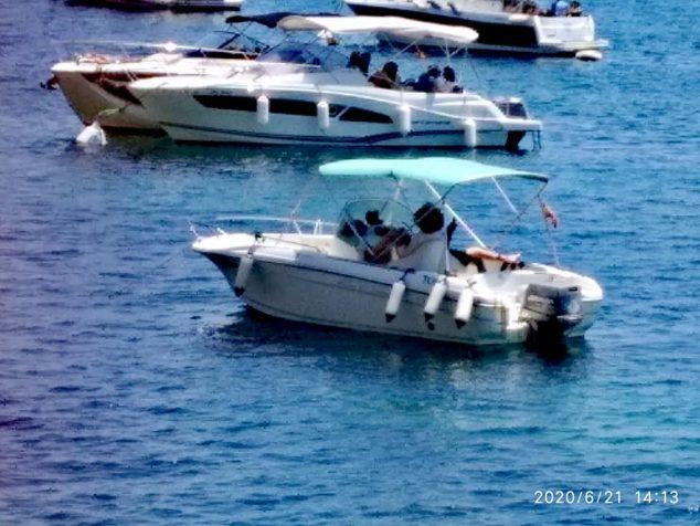 Imagen: Embarcaciones fondeadas en Calas de Xàbia