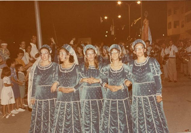 Imagen: Escuadra de mujeres de la Filà Ballesters Xàbia en 1984