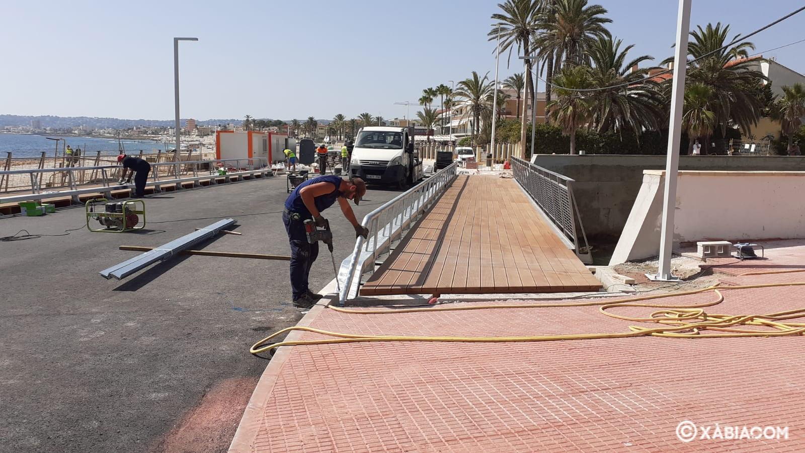 Finalizando los trabajos de la reconstrucción del Puente de Triana