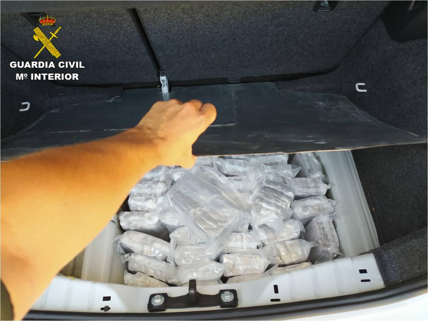 Kilos de hachís en el maletero del vehículo