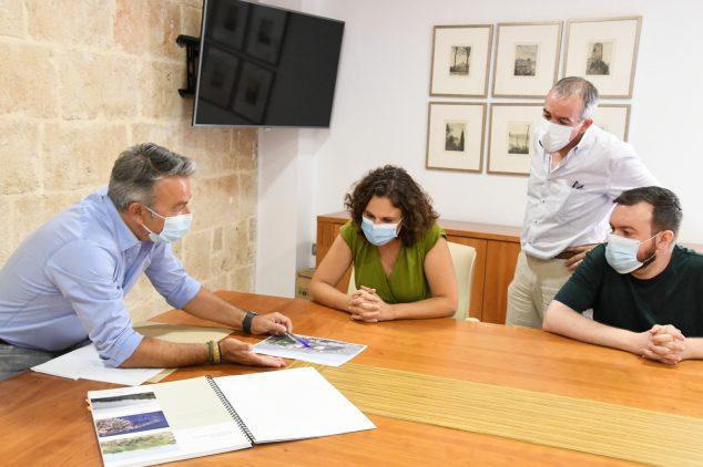 Imagen: Reunión sobre el proyecto del Faro del Cabo de San Antonio
