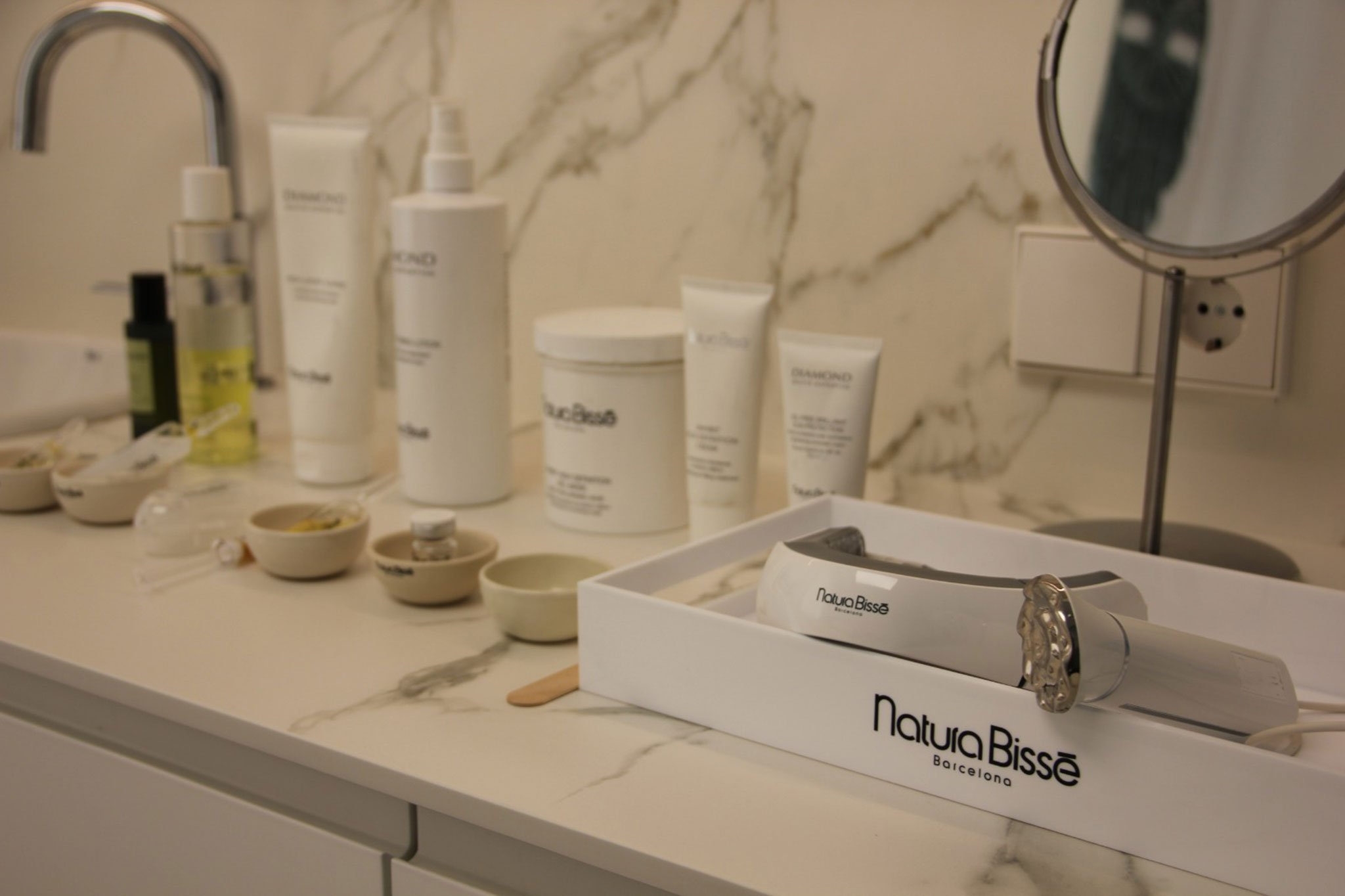 Inhibit Neck-Lift, tratamiento puntero de la marca Natura Bissé – Soulspa Beauty & Experience
