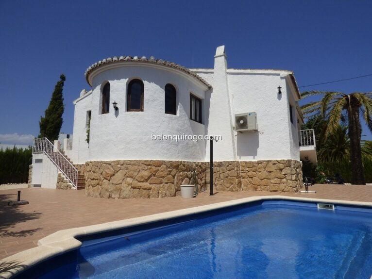 Casa con piscina - Inmobiliaria Belen Quiroga