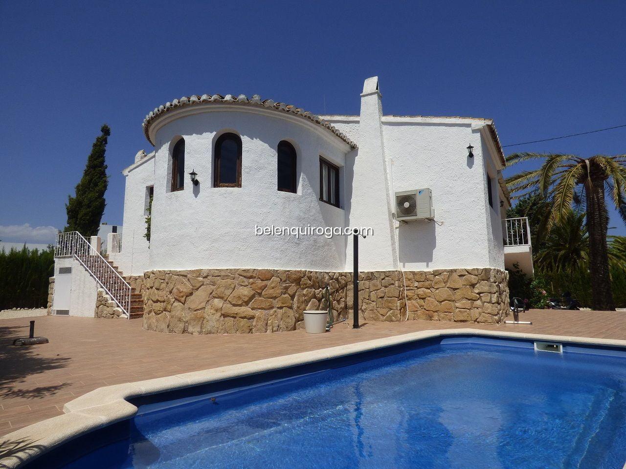 Casa con piscina – Inmobiliaria Belen Quiroga