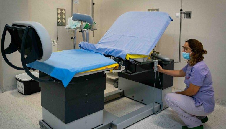 Nueva mesa de partos del hospital