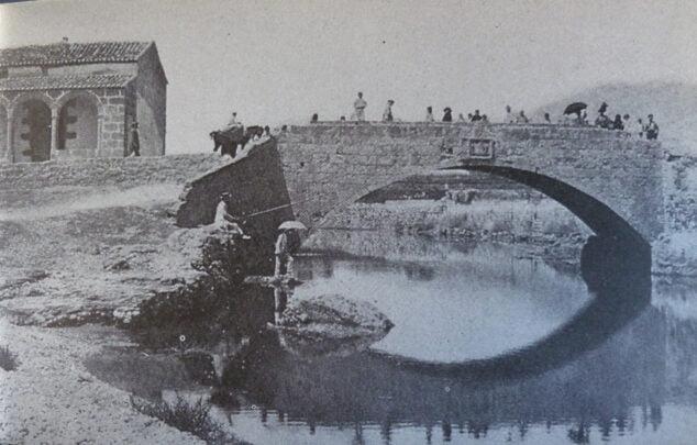Imagen: Puente de Triana de 1861