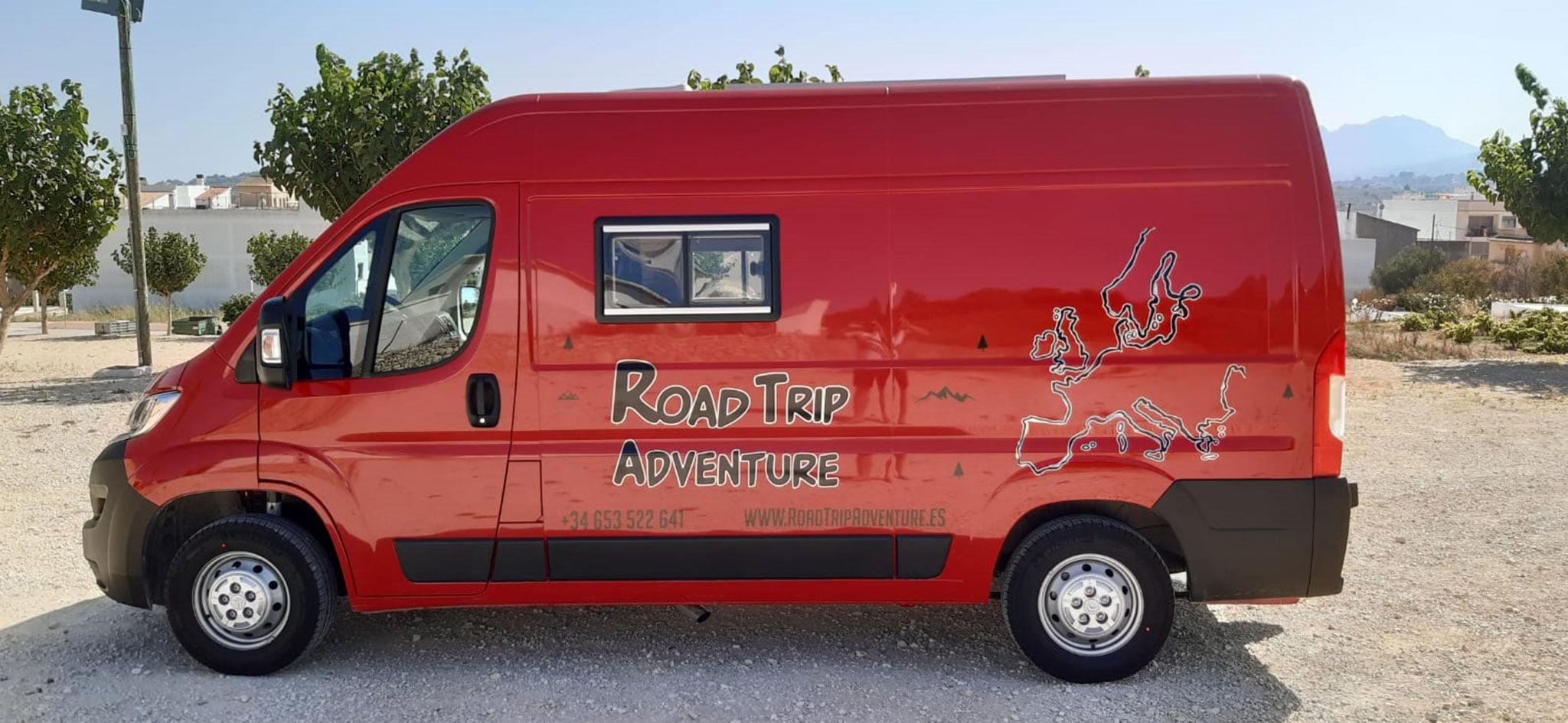 Vista de la nueva furgoneta de Road Trip Adventure