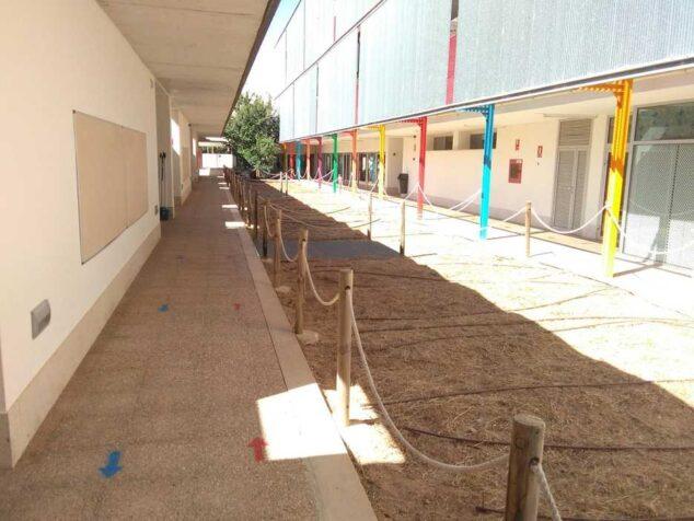 Imagen: Zona exterior del colegio Arenal de Xàbia