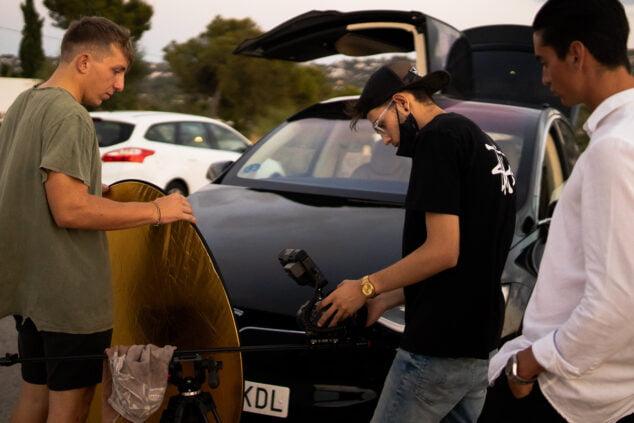 Imagen: Alex Perez durante la grabación