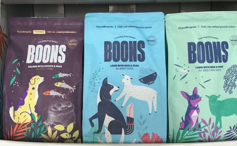 Pienso hipoalergénico con ingredientes naturales - Santi Mas-Servicios para mascotas