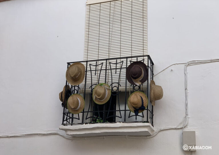 Balcón engalanado en Duanes de la Mar