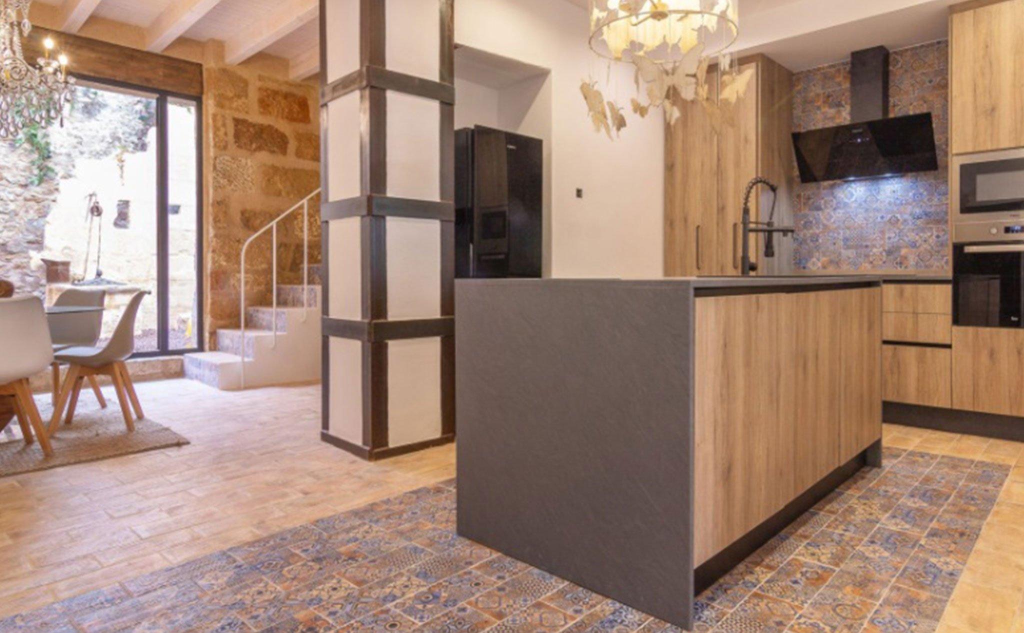 Cocina de una casa de pueblo en venta en el centro de Xàbia – MORAGUESPONS Mediterranean Houses