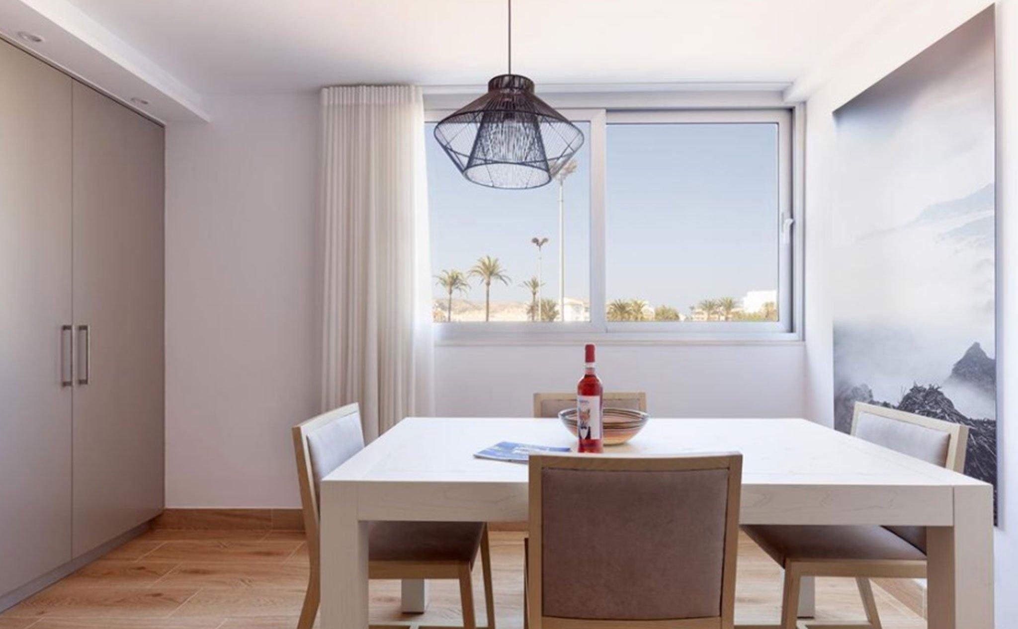 Comedor de un apartamento de vacaciones en Jávea – Quality Rent a Villa