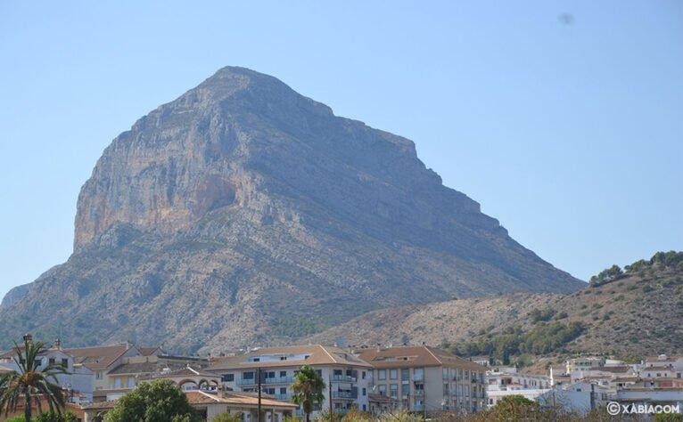 El Montgó visto desde Xàbia
