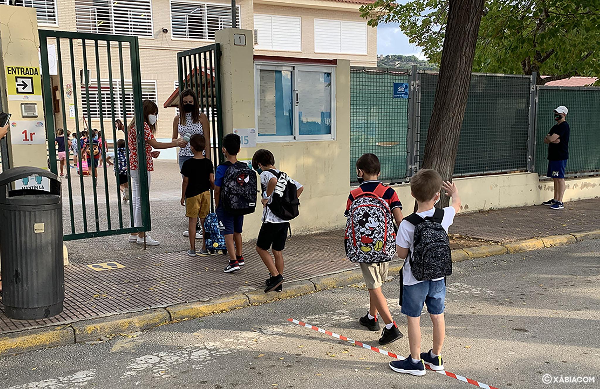 Escolares de Xàbia en la vuelta al cole