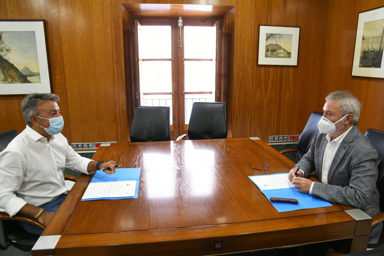 Firma de la cesión del Faro al Ayuntamiento de Xàbia