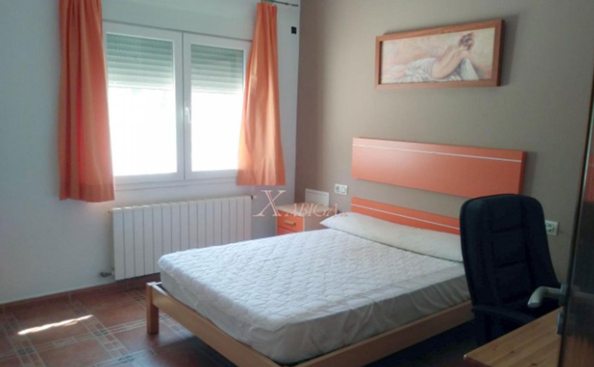 Una de las habitaciones de un chalet en venta en Jávea