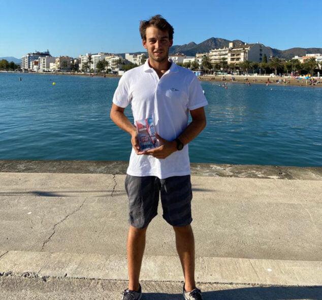 Imagen: José Luís Boronat con el premio