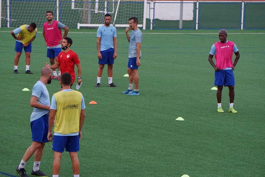 Jugadores del CD Jávea durante un entrenamiento