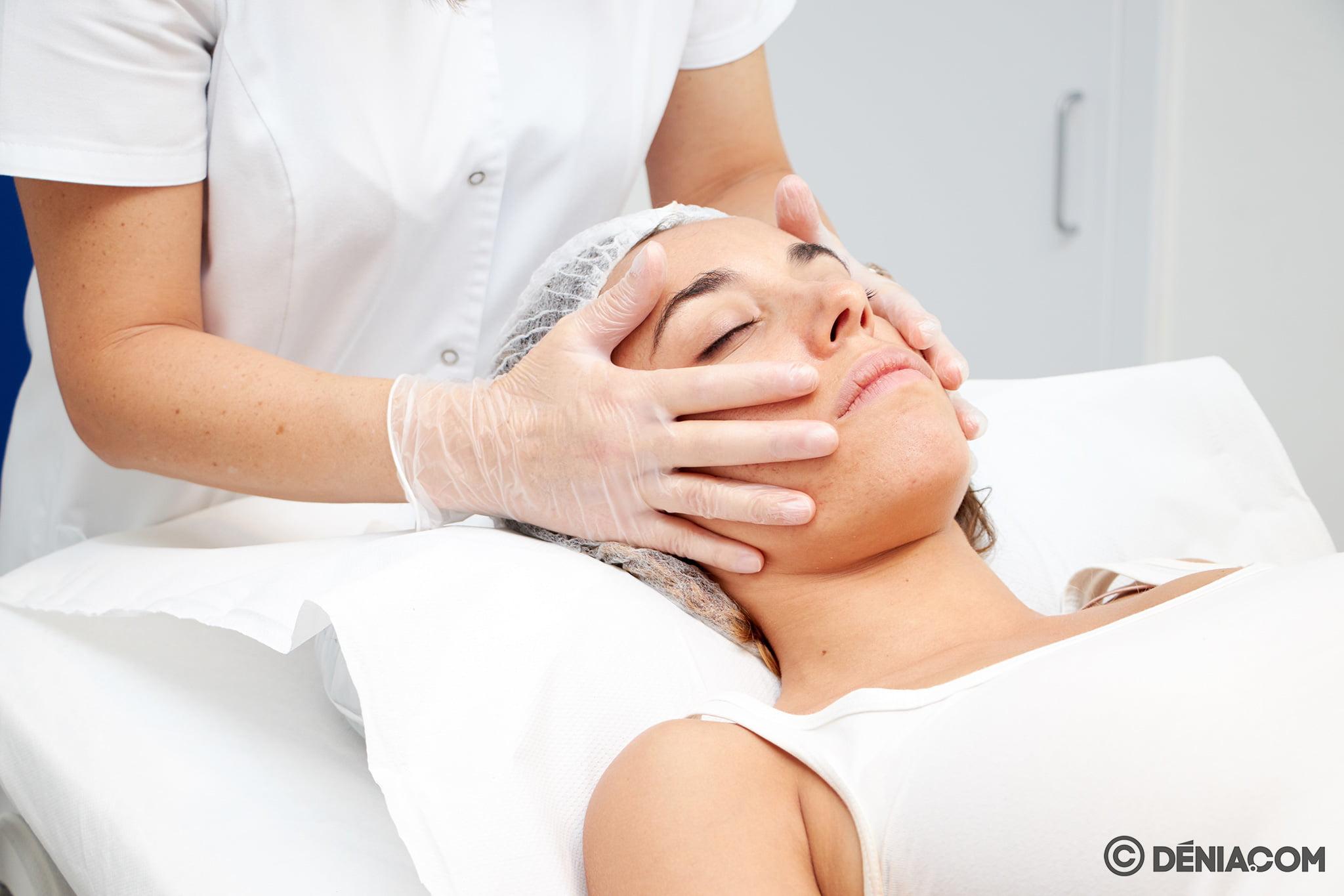 Peeling facial en Dénia – Clínica Estética Castelblanque