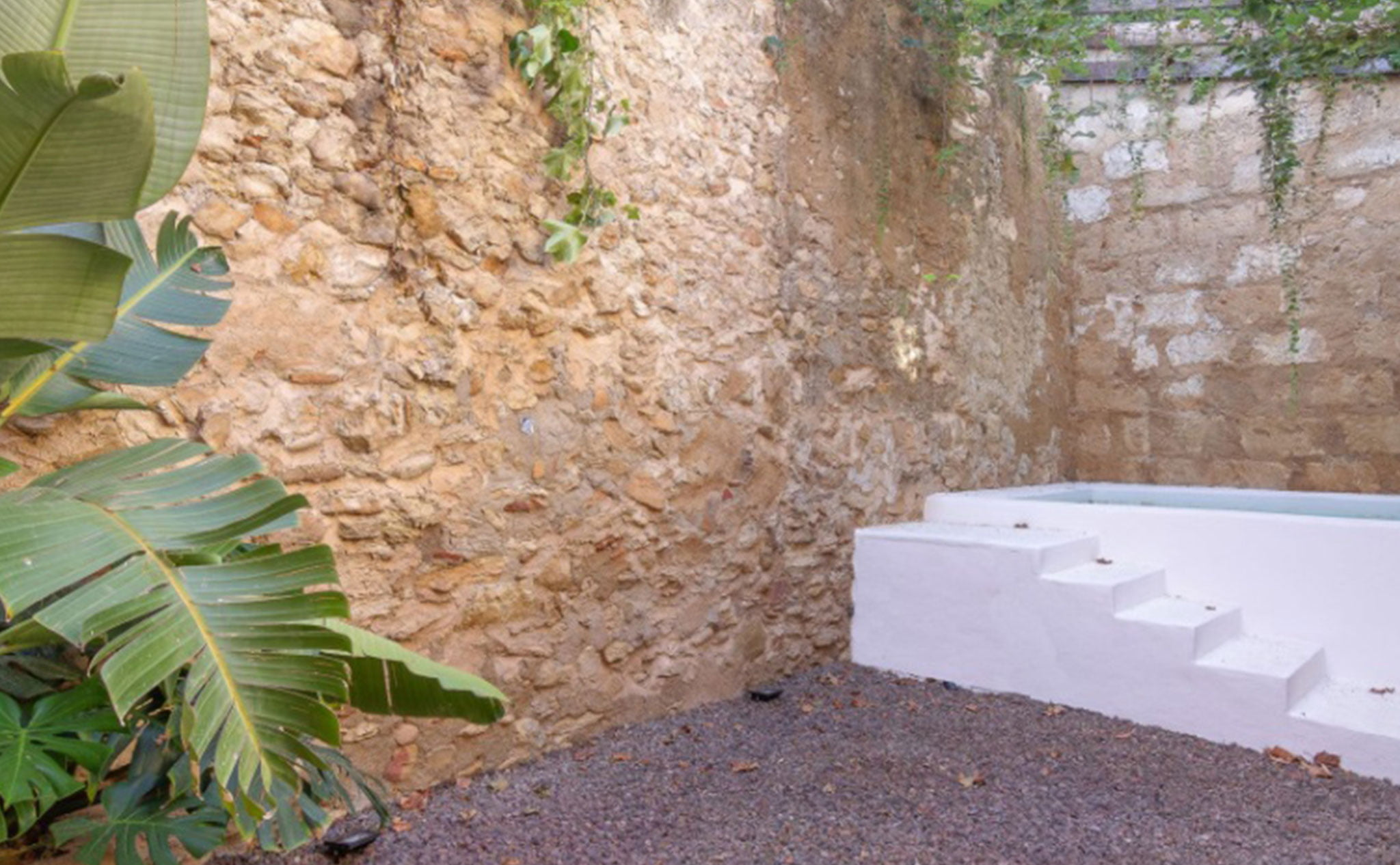 Piscina en una casa de pueblo en venta en el centro de Xàbia – MORAGUESPONS Mediterranean Houses