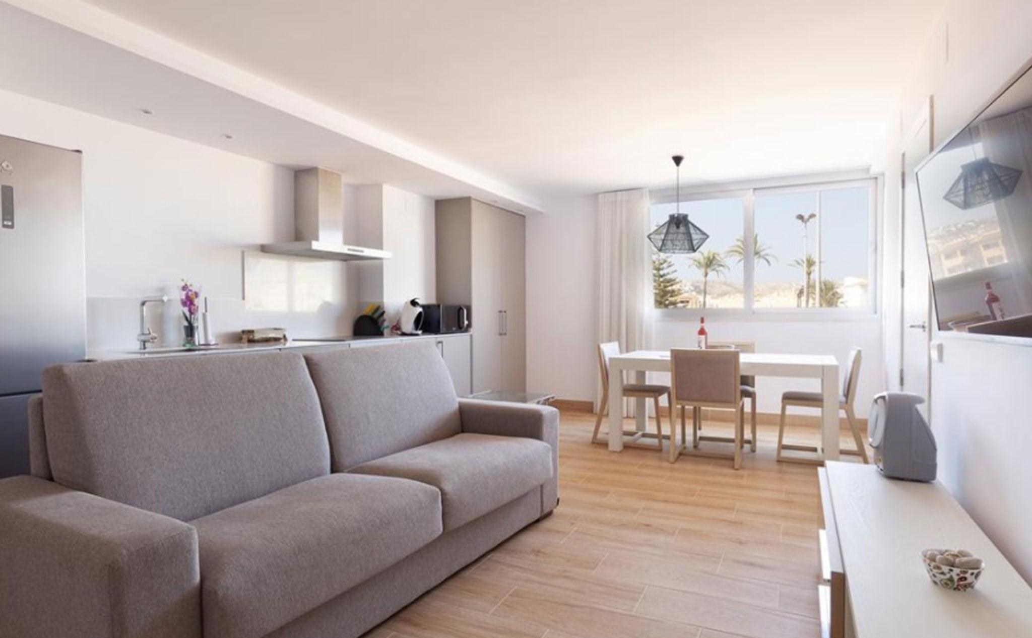 Salón comedor de un apartamento de vacaciones en Jávea – Quality Rent a Villa