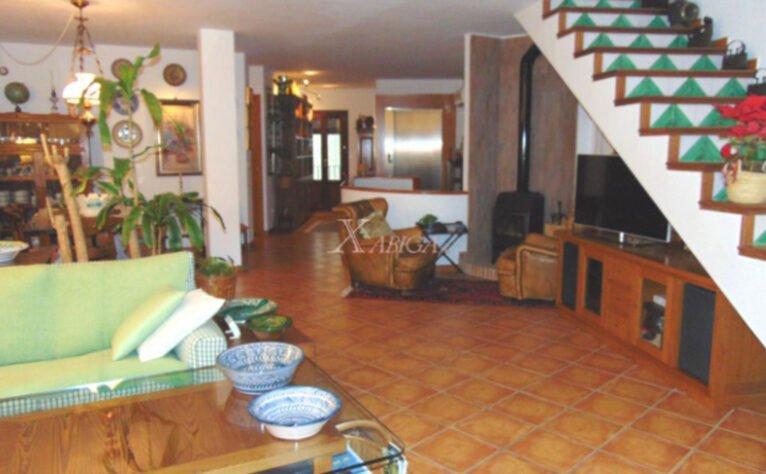 Salón de una casa de pueblo en venta en el Puerto de Jávea - Xabiga Inmobiliaria