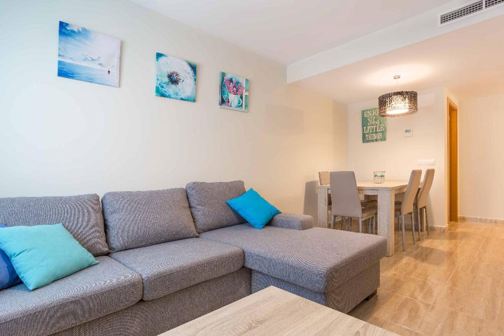 Salón y comedor de un apartamento en alquiler en Jávea – MMC Properties