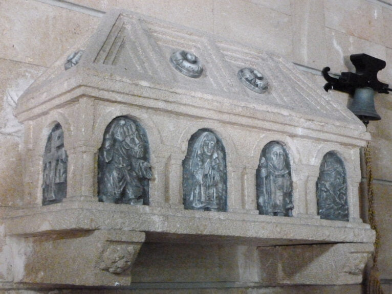 Sarcófago de Sor Catalina Bas en la Iglesia del Loreto (Foto: Juan Bta. Codina Bas)