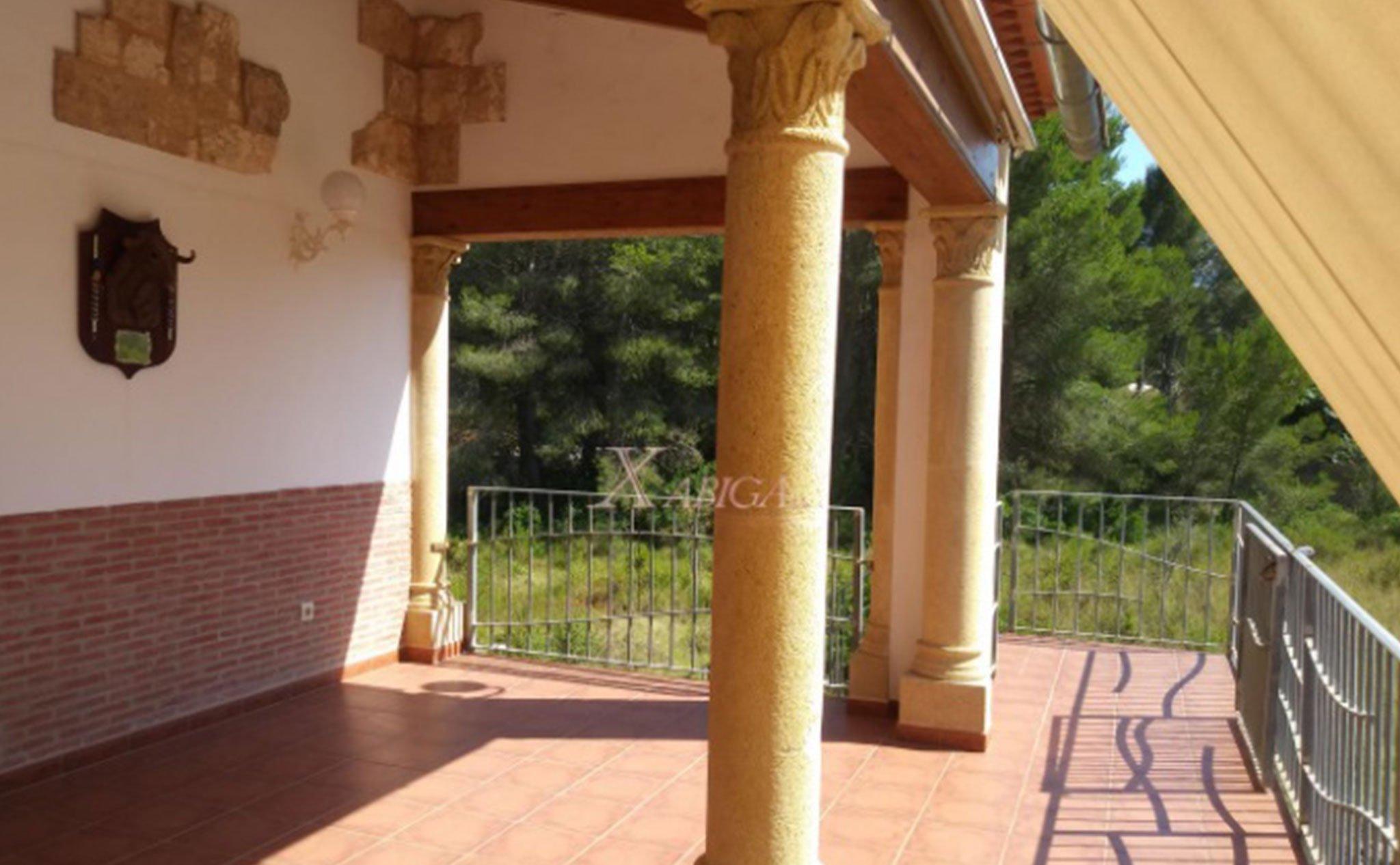 Una de las terrazas de un chalet en venta en Jávea