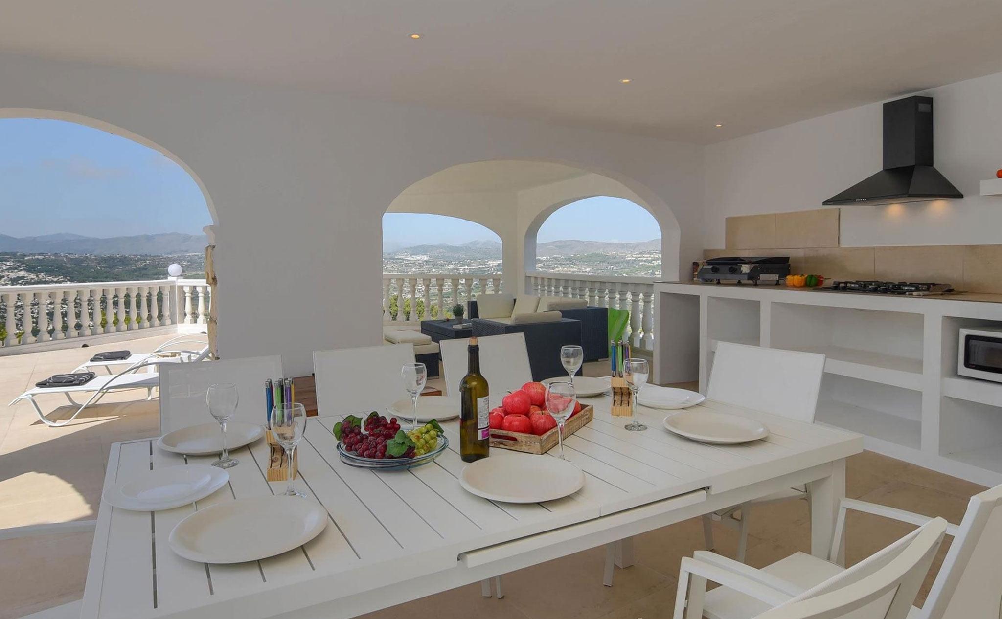 Terraza cubierta de una casa de vacaciones en Benitatxell – Aguila Rent a Villa