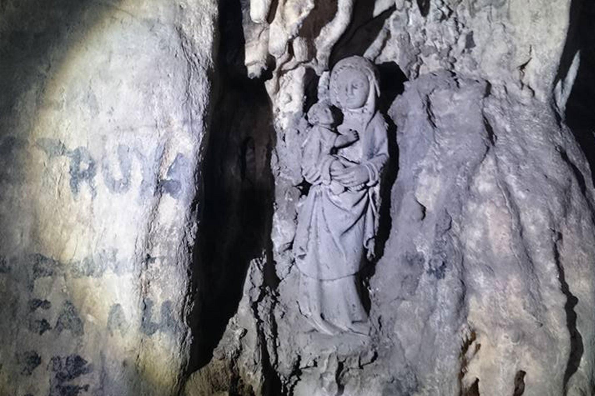 Virgen en el interior de la Cova del Montgó (Imagen: Miguel Ángel Mayans)